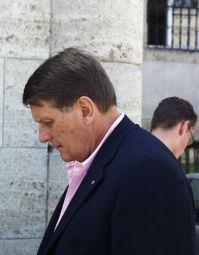 Klaus Krone, hier als Stiftungsvorstand auf dem Weg zum Festsaal